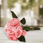 Декоративени стръкове рози в букет/изкуствени цветя