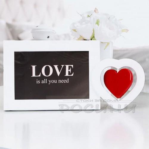 Рамка за снимки LOVE с въртящо сърце