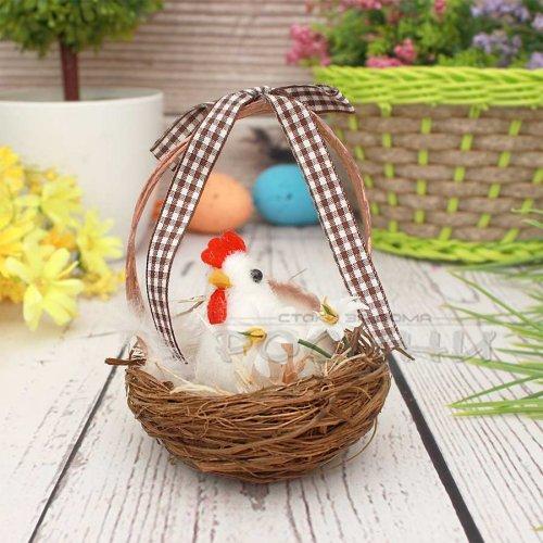 Кокошка в кошничка/Декорация за Великден