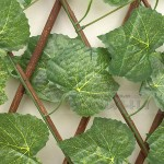 Разтегателна декоративна дървена ограда с листа 70 см.