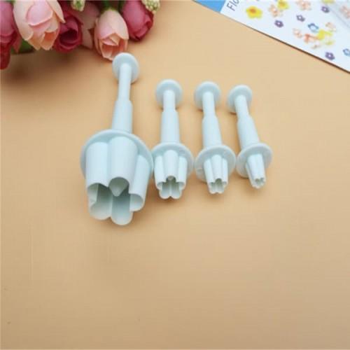 Комплект 4 бр. резци с бутало малки цветя/резци за фондан и тесто