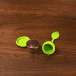 Силиконова цедка за чай с капаче и чинийка/филтър за чай